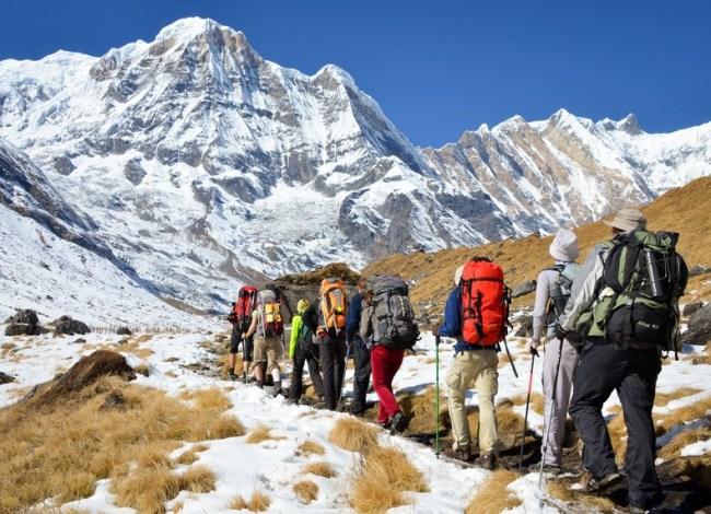 कोरोना कहरपछिको बन्दाबन्दीको ७ महिनापछि खुल्यो पदयात्रा र पर्वतारोहण