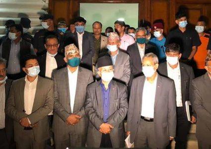 एमाले कार्यदलको १० बुँदे सहमतिमा ओली र नेपाल पक्षीय नेताको आ–आफनै व्याख्या