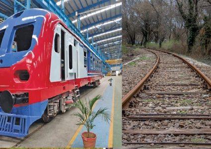 नेपाल–भारत रेल सेवा सम्झौता २००४ आदान प्रदान पत्रमा हस्ताक्षर